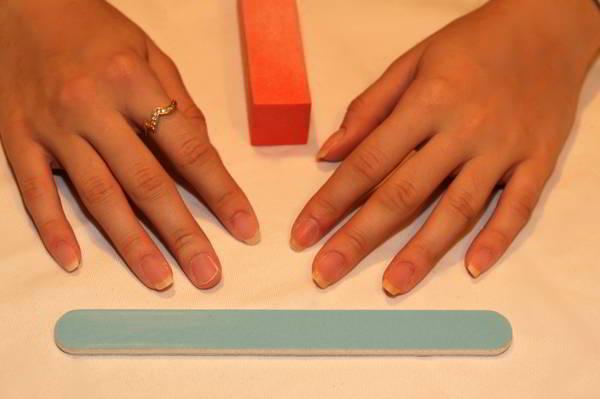 Наращивание ногтей фото новинки 2017 френч разных цветов
