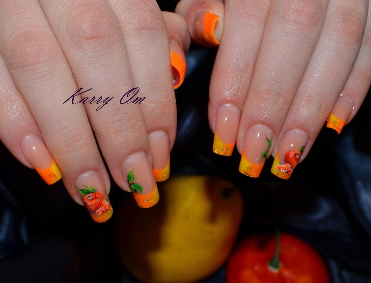 Ногти яркий френч с рисунком