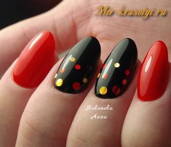 Красные ногти с черным дизайн