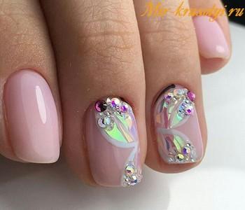 Дизайн ногтей на 8 марта 2018