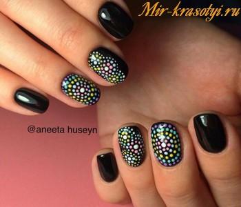 Маникюр точками на ногтях