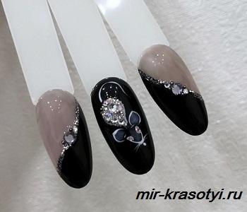 зимний дизайн ногтей 2020