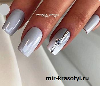 Летний дизайн ногтей со стразами