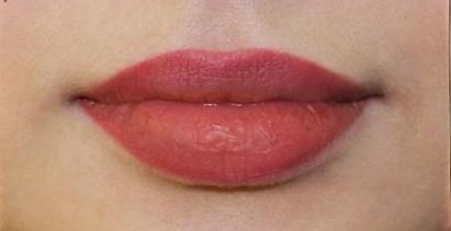 Татуаж контура губ: помадный раскрас